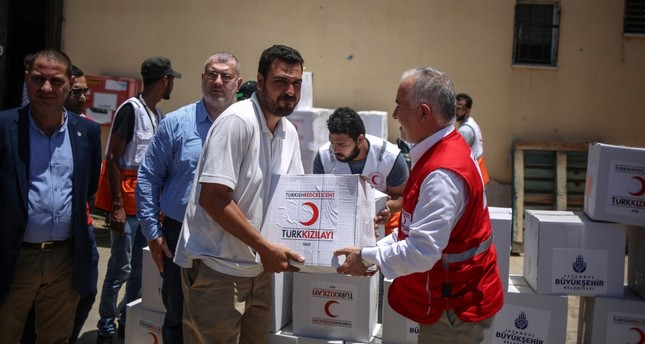 Turkish Red Crescent President Kerem Kınık personally delivered food packages to Palestinian families in the Gaza Strip during Ramadan.