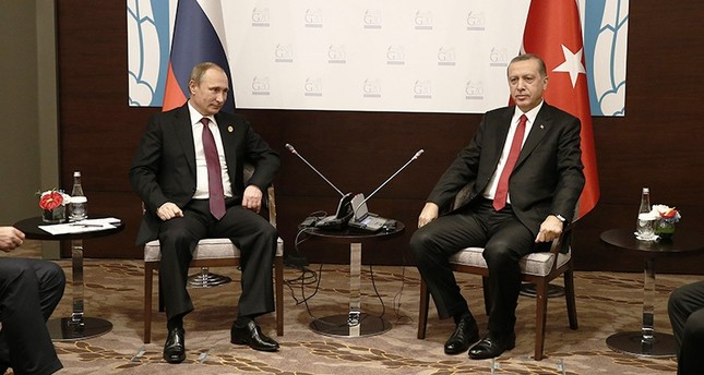 This archive shows Russian President Putin and President Recep Tayyip Erdoğan meeting during the G20 summit in Antalya, Turkey. (AA Photo)