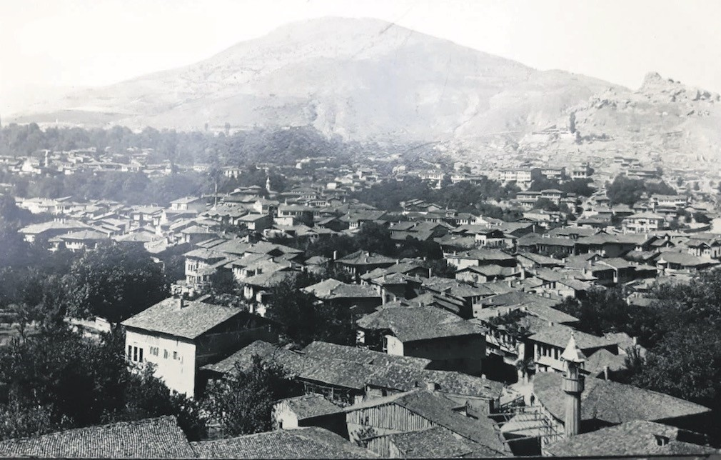 Tokat in the late 1920s. Tokat was damaged by floods many times in the last two centuries until engineer Kemal Au015fk rehabilitated the area with extensive urban planning in 1955.