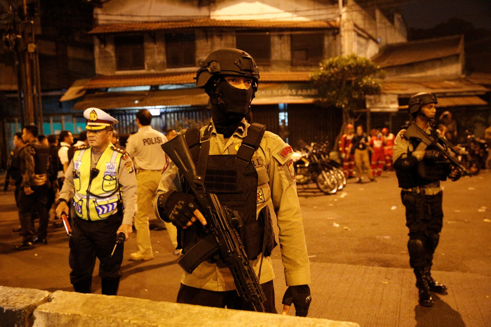 Police guard at scene of an explosion in Jakarta, Indonesia May 24, 2017. (REUTERS Photo)
