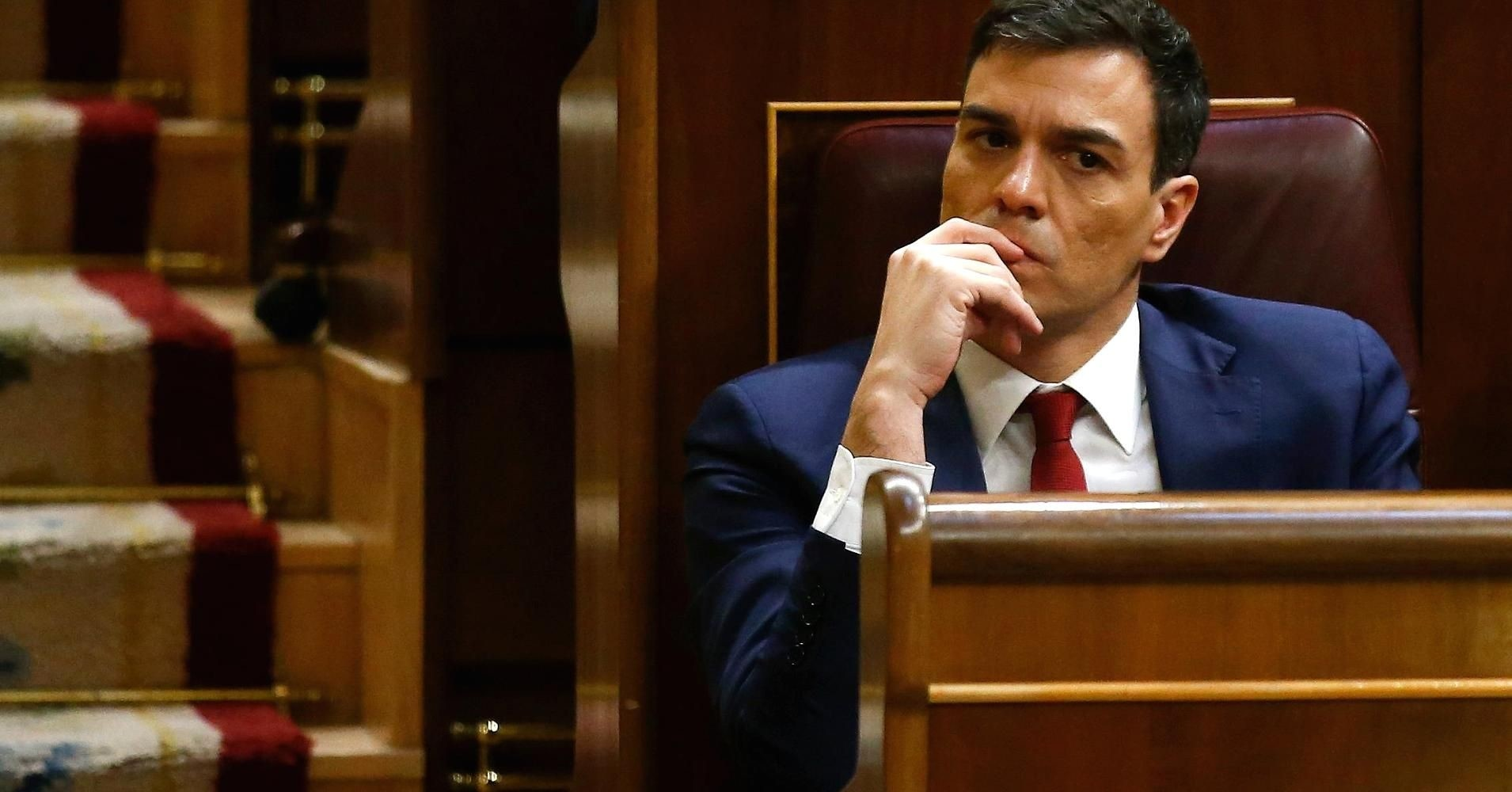 Spain's Socialist Party (PSOE) leader Pedro Sanchez attends an investiture debate at parliament in Madrid, Spain, March 2, 2016. (REUTERS Photo)