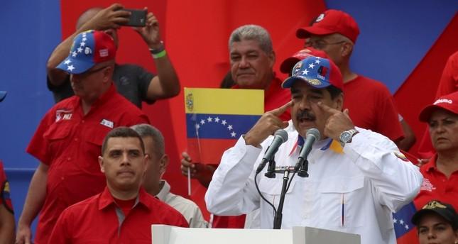 مادورو يعلن إجراء تغييرات في تشكيلته الوزارية قريبا