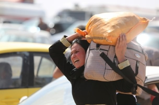 Thousands flee Iraq's Mosul seized by ISIL militants