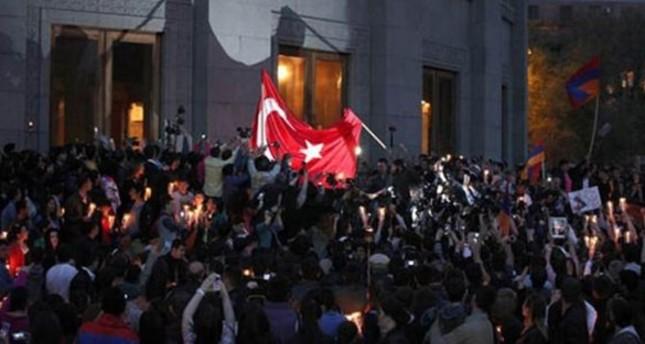 الخارجية اللبنانية تستنكر حرق العلم التركي في العاصمة بيروت
