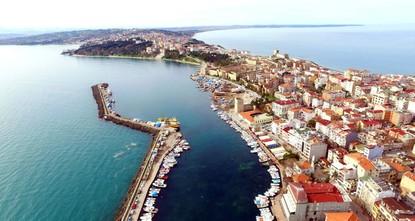 """pDas Ramadan-Fest wird laut aktuellen Zahlen Tausende von Touristen in die Schwarzmeerprovinz Sinop ziehen, die zur """"glücklichsten Provinz der Türkei gewählt wurde./p  pDas """"Türkische..."""