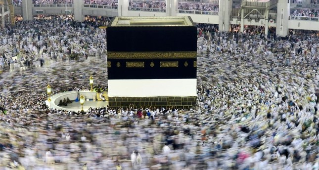 Muslim pilgrims circle the Kaaba at the Grand mosque in Mecca, Saudi Arabia, September 6, 2016. (REUTERS Photo)