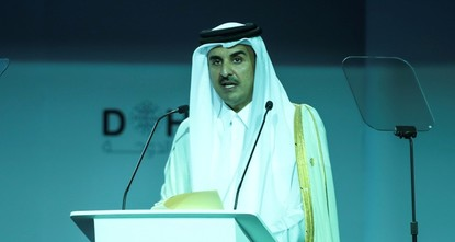 أمير قطر يطالب بوقف حصار بلاده وحل المشاكل عبر الحوار