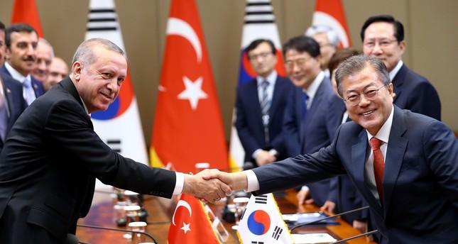 أردوغان ونظيره الكوري الجنوبي يترأسان مراسم توقيع عدد من الاتفاقيات