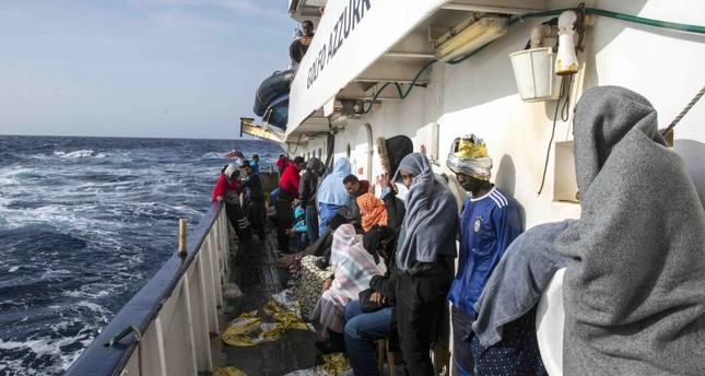 إيطاليا والنمسا تقترحان احتجاز المهاجرين داخل سفن بالمتوسط