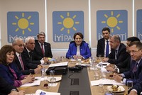 Akşener vows to run in presidential elections