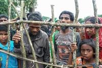 Bis zu 18.000 Rohingya sind in der vergangenen Woche vor der Gewalt in Myanmar ins Nachbarland Bangladesch geflohen.