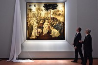 An early painting by Leonardo da Vinci has returned to public view in Florence, Italy, after almost six years of restoration work.  Da Vinci's unfinished masterpiece
