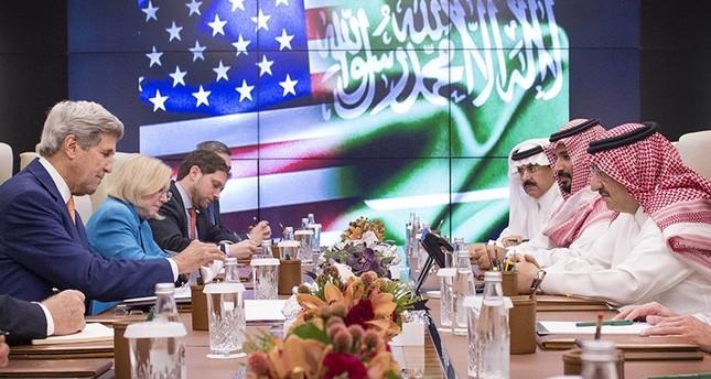 حراك أمريكي خليجي في جدة بحضور كيري لبحث مستقبل اليمن وسوريا