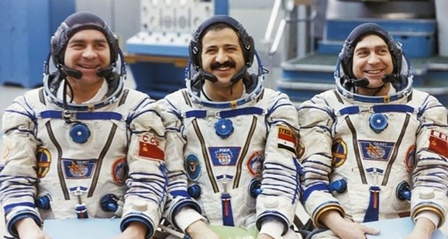 Syria's first cosmonaut, Muhammed Ahmad Faris (C), has lived as a refugee in Istanbul, Turkey for the last 5 years. (Sabah File Photo)