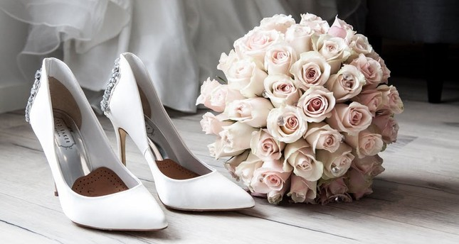 Welcome wedding season with fresh bridal makeup