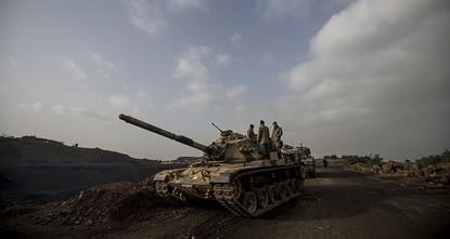 pLaut einem am Samstag veröffentlichten Bericht befreiten die türkischen Streitkräfte zusammen mit den Truppen der Freien Syrischen Armee (FSA) drei weitere Dörfer von dem syrischen PKK-Ableger...