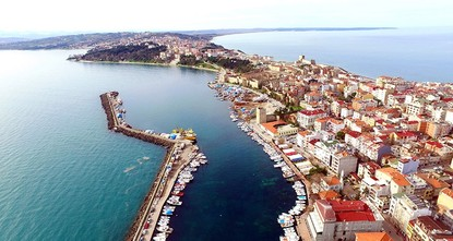 pThe Eid al-Fitr holiday is bringing tourists to the Black Sea province of Sinop, which has been voted the happiest in Turkey./p  pThe Turkish Statistical Institute (TurkStat) rated Sinop as the...