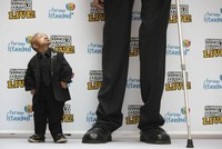 Tall people have higher cancer risk, study finds