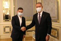 وزير الدفاع التركي يزور كييف ويلتقي الرئيس الأوكراني