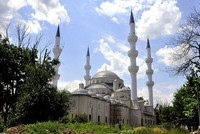 A Turkish foundation has finished construction on the largest mosque in Central Asia, located in the Kyrgyz capital Bishkek.  The Turkey Diyanet Foundation (TDV) began construction on the...