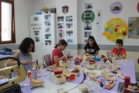 Children of Istanbul build toys for Syrian peers