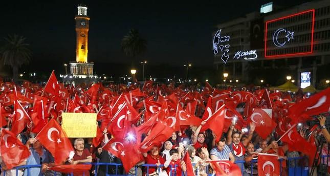 الأتراك يواصلون مظاهرات صون الديمقراطية الرافضة للانقلاب