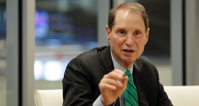Senator Ron Wyden (D-OR) speaks with Reuters during an interview in Washington, U.S., May 19, 2017. (REUTERS Photo)