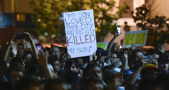 Protesters march through St. Paul, after St. Anthony police officer Jeronimo Yanez was found not guilty on all counts in the fatal shooting of Philando Castile in St. Paul, MN., USA, 16 June, 2016. (EPA Photo)
