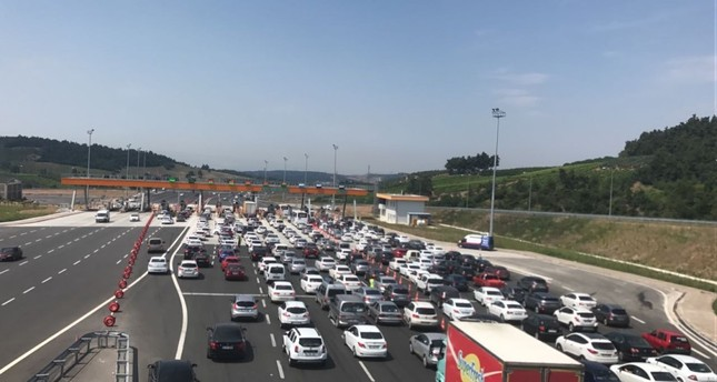 The usual bayram traffic nightmare was repeated across Turkey on Friday and Saturday