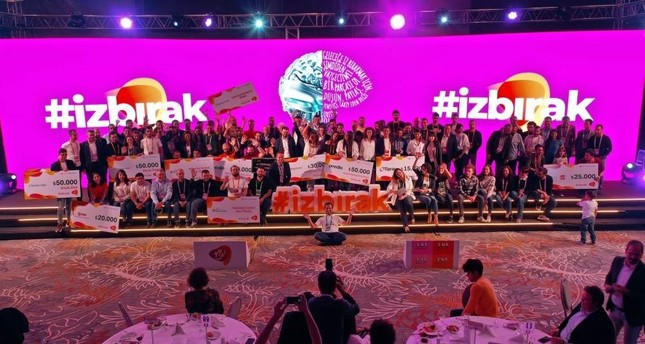 Many new startups looking for support found an opportunity to present their projects that involve AI, machine learning, IoT and robot software in areas such as health, production and agriculture at the 15th YFYİ 2019 event.
