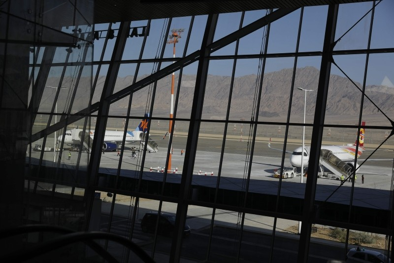 Planes are reflected in the facade of the Ramon International Airport after an inauguration ceremony for the new airport, just outside the southern Red Sea resort city of Eilat, Israel January 21, 2019. (Reuters Photo)