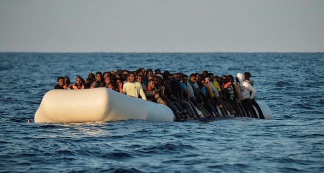 مقتل نحو 20 مهاجرا غرقا في البحر المتوسط قبالة شواطئ ليبيا