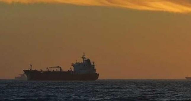 قراصنة يختطفون طاقم سفينة شحن بينهم 3 روس قبالة سواحل الكاميرون