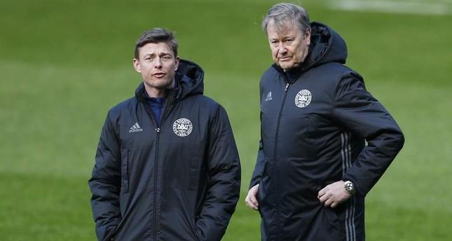 Denmark head coach Age Hareide and coach Jon Dahl Tomasson L during training, Glasgow, Mar. 28, 2016. REUTERS Photo