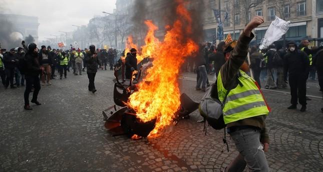عودة الصدامات وأعمال النهب إلى وسط العاصمة الفرنسية باريس