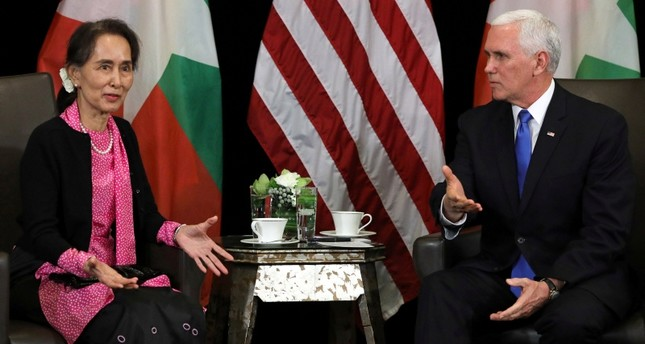Myanmar's State Counsellor Aung San Suu Kyi and U.S. Vice President Mike Pence hold a bilateral meeting in Singapore, November 14, 2018. (Reuters Photo)