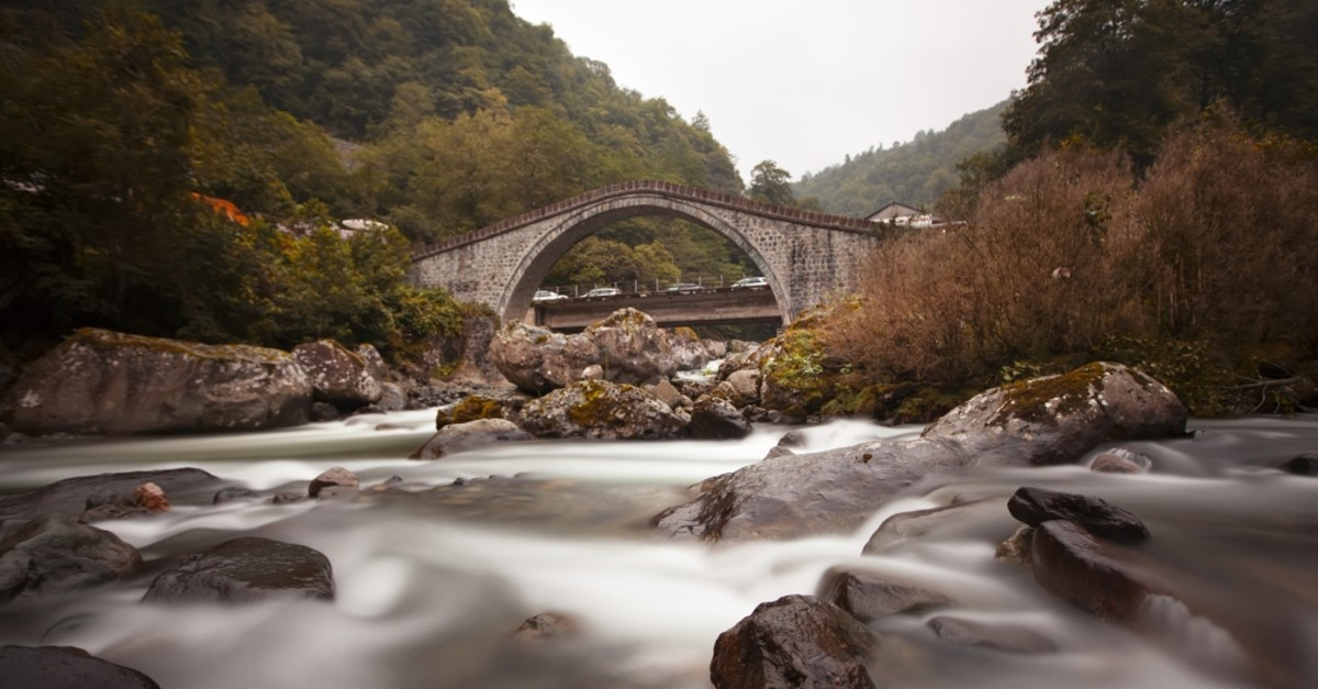 The Twin Bridges of Artvin are believed to have been built in the 18th century during the time of the Ottomans.