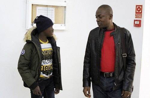 Ali Outtara (R), accompanies his son Adou (L) to attend his trial at a court in Ceuta, the Spanish enclave in northern Africa, Feb. 20, 2018. (EPA Photo)