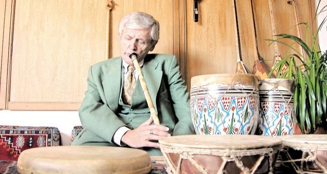 Honoring Oruç Güvenç's contributions to Turkish classical music