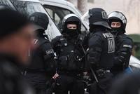 Nach der Razzia der Bundesanwaltschaft gegen mutmaßliche iranische Agenten in Deutschland hat sich der SPD-Politiker Reinhold Robbe empört über das Ausmaß der Agententätigkeiten des Irans gezeigt....