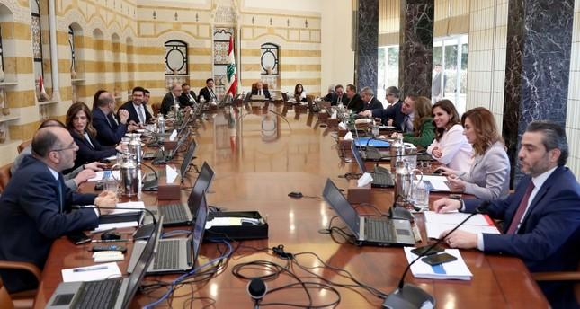 الحكومة اللبنانية تجمع على عدم سداد ديون مستحقة الاثنين