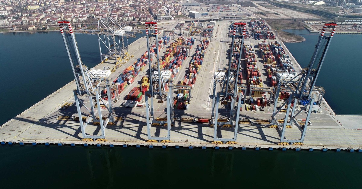 Trade Minister Ruhsar Pekcan has said Turkeyu2019s exports to Iraq increased by 3.3% year-on-year to $2 billion in the first quarter of this year.