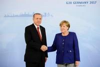 Erdoğan, Merkel hold talks ahead of G20 summit