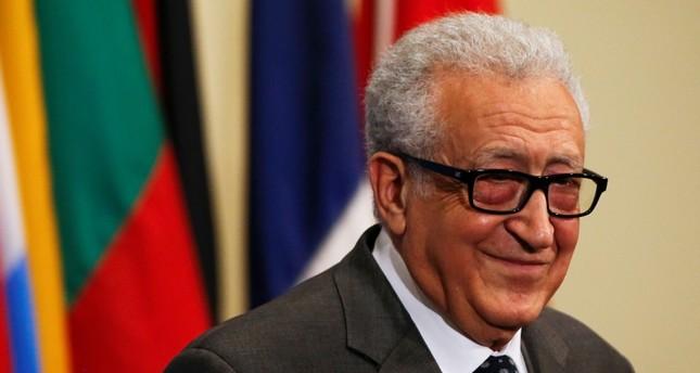 الأخضر الإبراهيمي ينفي تكليفه برئاسة مؤتمر الحوار بالجزائر