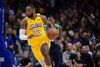 Lakers extend winning streak to nine games with Cavs win