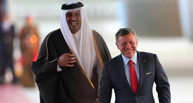 أمير قطر: القمة العربية تُعقد في ظروف بالغة الخطورة تستدعي تعزيز التضامن