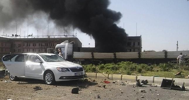 3 شهداء و100 جريح في تفجير سيارة مفخخة بمديرية للأمن شرق تركيا