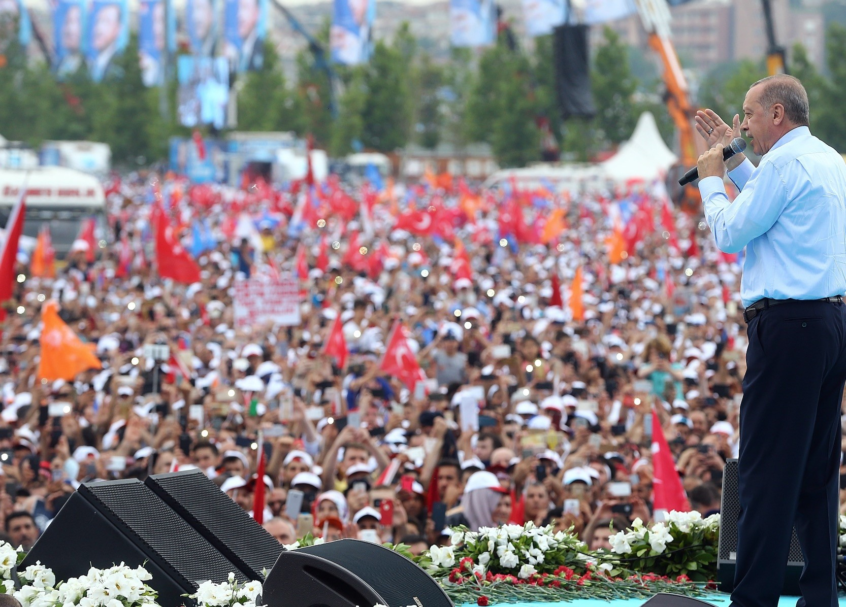 President Recep Tayyip Erdou011fan said that TL 236 billion ($50 billion) has been invested in an abundance of projects in Istanbul during the last 16 years.