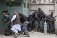استسلام مسؤول داعش الإرهابي في شمال أفغانستان رفقة 250 عضوا آخرين