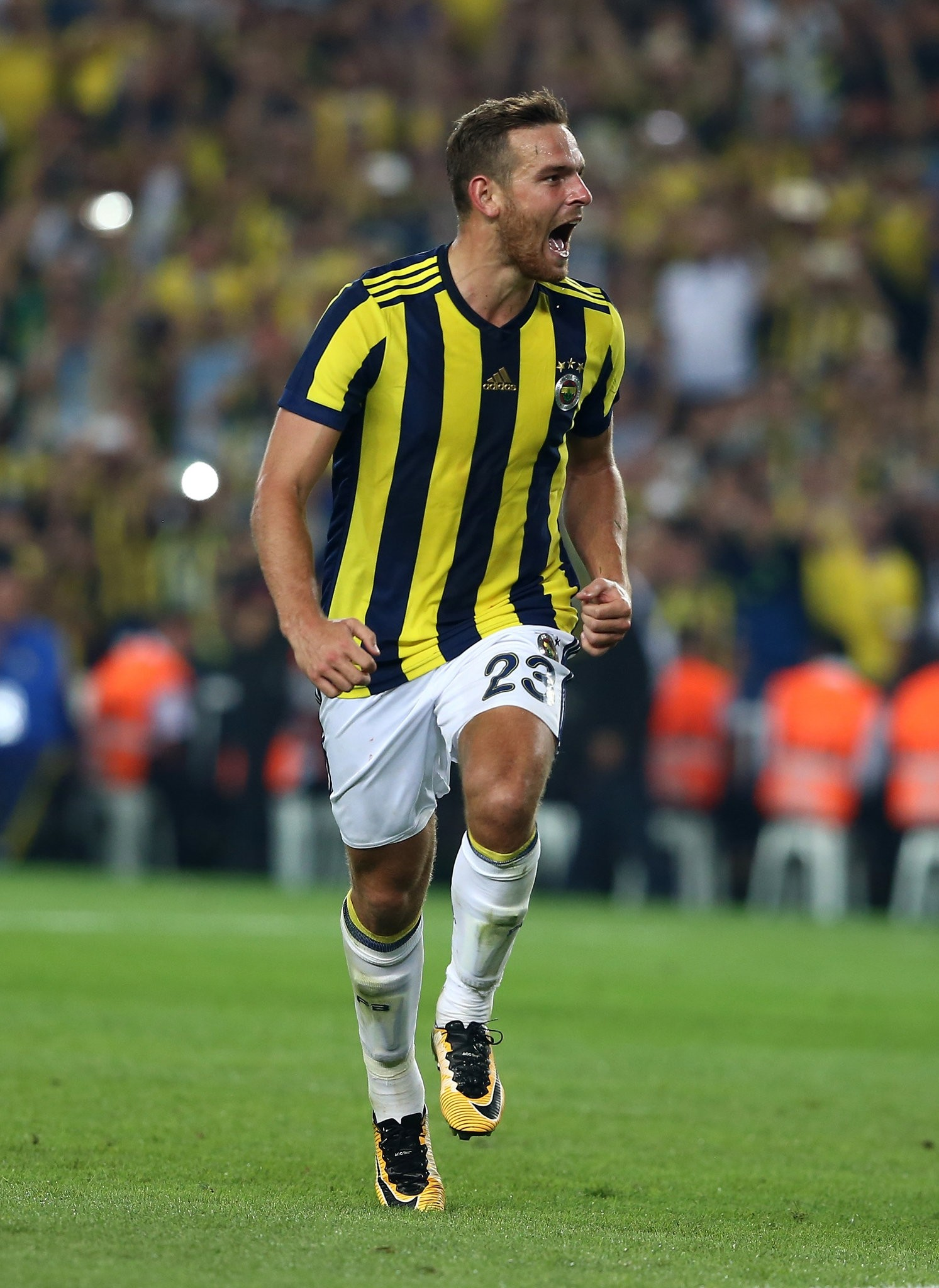 With two goals so far this season, Vincent Janssen may lead the Fenerbahu00e7e attack against Demir Grup Sivasspor.